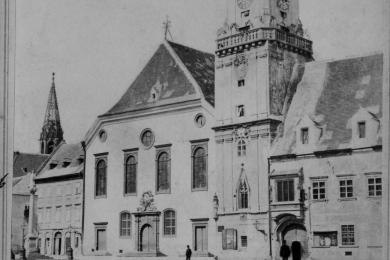 Stará radnica na fotografii Karola Körpera z obdobia okolo roku 1870
