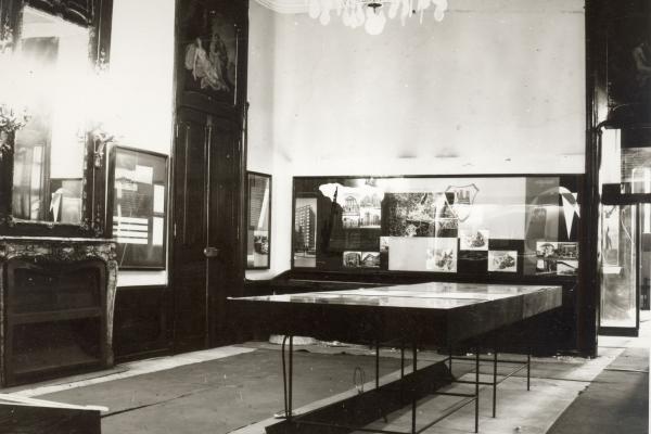 Miestnosť v Apponyiho paláci, súčasť historickej expozície vroku 1960