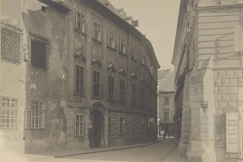 Apponyiho palác, polovica 20. storočia