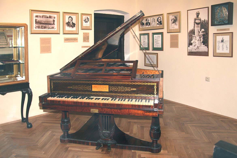 Pohľad do expozície Múzea J. N. Hummela