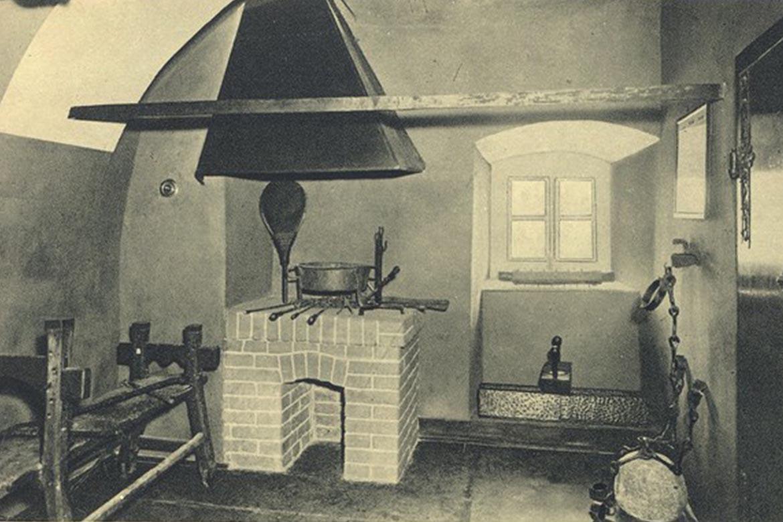 Pohľad do expozície múzea v medzivojnovom období