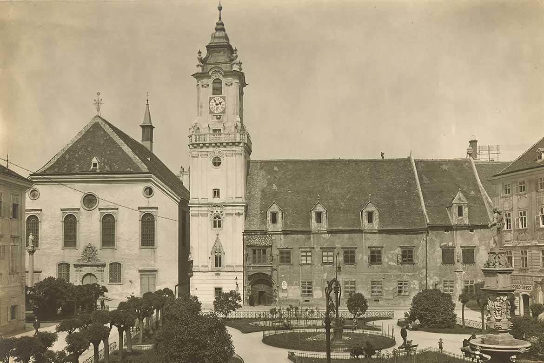 Pohľad na Starú radnicu, 30. roky 20. storočia