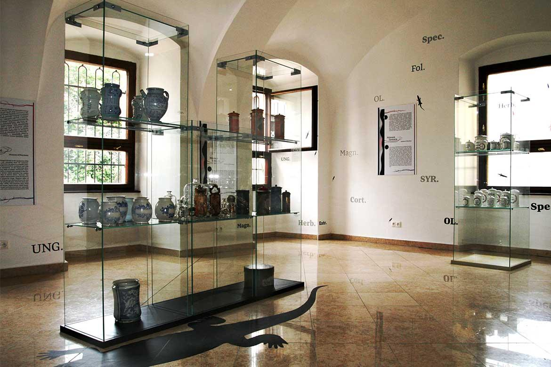 Pohľad do expozície Múzea farmácie