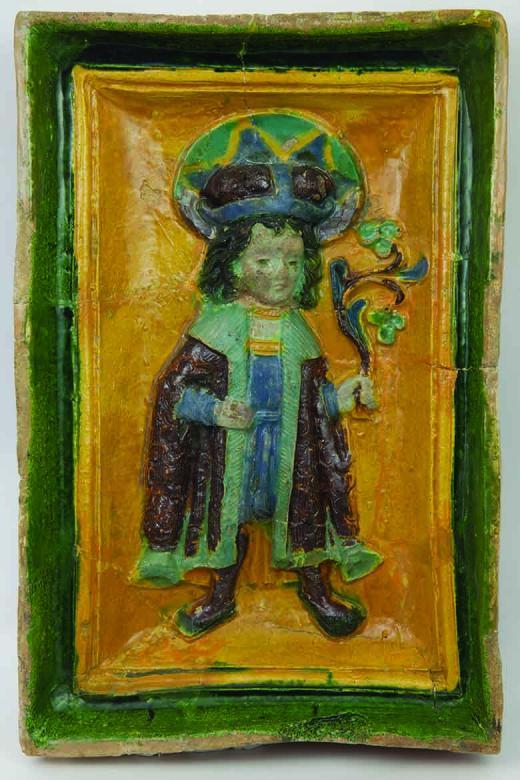 9. Reliéfna kachlica z archeologického výskumu kaštieľa v obci Devín, 16. storočie