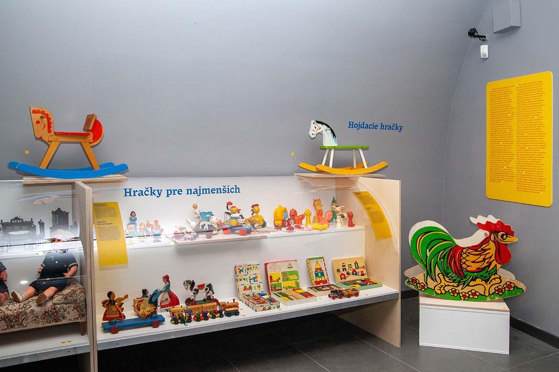 Výstava historických hračiek Ako sa hrali naši