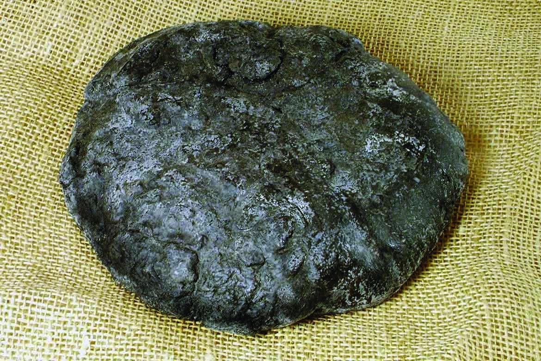 Zuhoľnatený chlieb z obdobia sťahovania národov, 5. storočie po Kristovi